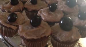 mocha Reyes merlot 11 cupcakes pic